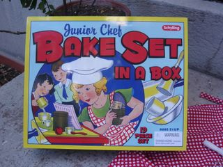 Bake set in a box